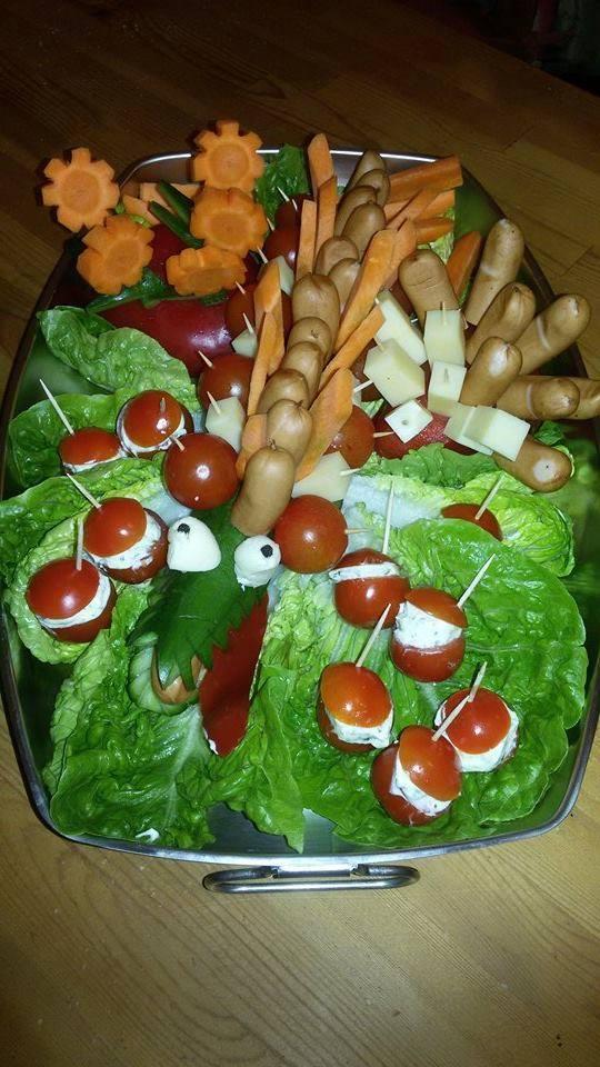 Werbung : Feste feiern-Kindergeburtstag: Gurkenkrokodil und Birnenigel